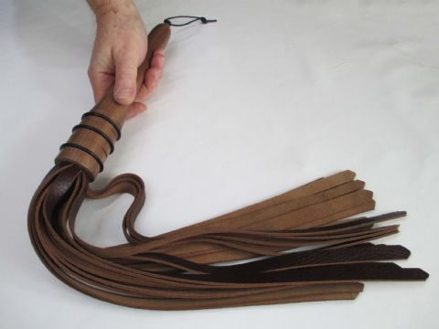 Brown Scandinavian Ox Leather American Black Walnut wood Lacquered handle Flogger